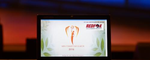 REDFOX awards Ms. REDFOX-Philippines Earth 2016 to Bellatrix Tan